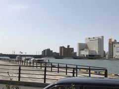 新潟、萬代橋です。 ココが、冬キャンのスポットです。