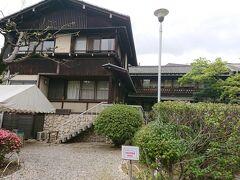 揚輝荘は大正時代に移築された、松坂屋の初代社長の伊藤治郎左衛門祐民の別邸でした。