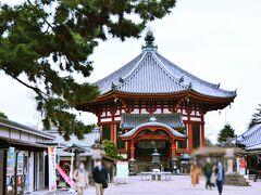 興福寺 / 南円堂  こんな建物はまるで台湾にでも来たような気分になる(笑)