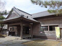 水沢県庁記念館(旧水沢県庁舎)  『水沢県』の範囲は旧仙台藩領内であった現宮城県北部と岩手県南部を管轄する地域を言います。建物は純和風の日本建築で、県内官公庁建築の県政史上貴重な建物です。