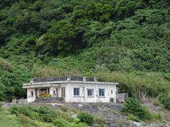 Dr.コトー診療所はこの与那国島で撮影されました.比川浜を望む景色のいいところです.