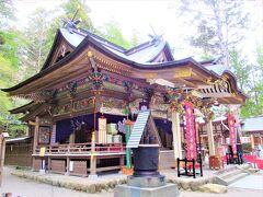 """だから私は神仏祈願っていうものがよく分からないんです。 でも、一応は敬意を表して """"お邪魔します"""" の御挨拶だけは・・  ここに来ていつも思うのは昔は「宝登山神社」は「たからとざん神社」だと思っていた事 (-""""-"""