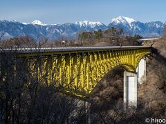 八ヶ岳高原大橋。南アルプスが綺麗に見えます。
