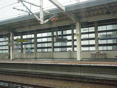 ●こだま847号から  10:13。 JR姫路駅到着です。 ここでも、追い抜きまちをしました。