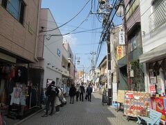「御成通り商店街」を散策。