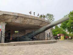 これが胡里山砲台の目玉である28cm砲口クルップ砲。ドイツから輸入したやつだ。