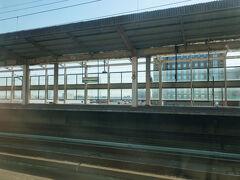 あっという間に小山駅に到着。  まだ、乗車予定だった湘南新宿ラインの電車に追いついていません。