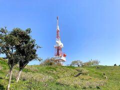 鉄塔が見えてきました。  大磯町から撮っていますが、鉄塔周辺は平塚市だそうです。  大磯町の放送「小磯でサルが出没しました!」だって!すごい放送です。