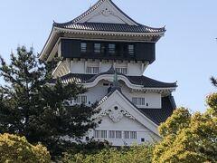 今回のツアーの最終観光地の小倉城到着!