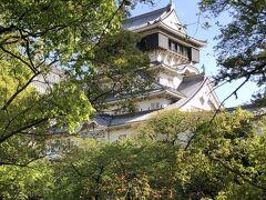 西の方から階段降りて小倉祇園八坂神社に向かう途中で!