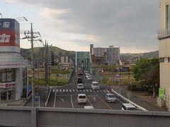 先日山火事があった足利、見た目にはよくわかりません  18:09 久喜駅でJRへ乗り換え 湘南新宿ラインは帰りも踏切とホームでの非常ベルで遅れ発生、ちょっとイラっ!