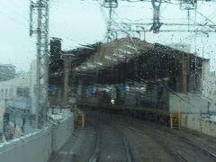 2021.03.21 尼崎ゆき急行列車車内 駅間が短いのは地域密着が徹底している証拠。