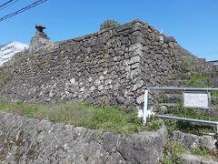 現存する日新館の遺構は、この天文館跡。 住宅街の中にしれっと残されています。