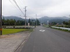 蒼社川沿いの道から左手の山に上り今治市の奥座敷の57番栄福寺に向かいます。