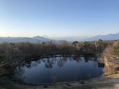 おはようございます 高原の爽やかな朝です☆*:.。.  5:40頃、母が起きたので私も目が覚めて そのまま起きました~  本当は、もっと早く起きて 5:30からの温泉に朝1で(空いてるうちに) 行くつもりだったんですが ま、いっか! 次回のお楽しみにします^ ^  まずは窓からの景色を。 晴れてます、嬉しいな!