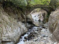 念仏橋と渓谷も  素敵な風景