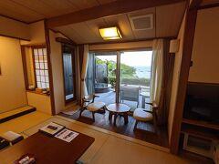 散策後は駅に戻りホテルの送迎バスでホテルへ、本日の宿は下田ビューーホテルです。こちらもふるさと納税を利用しました。