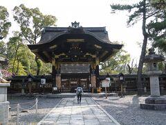 通り道にあった「豊国神社」にも参拝。 いつ見ても思いますが、派手ですねー。