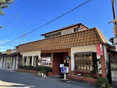 お昼ご飯は二本松城すぐそばにある洋食のお店「レストランかすみ」にしました。  ちょうど満席だったので少し待ちました。