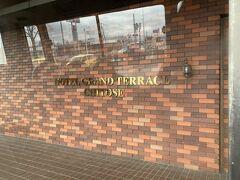 2日目の朝はホテルから送迎車で新千歳空港へ。 JALのクルーも宿泊されるホテルでした。