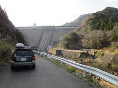 「君ヶ野ダム」から「安濃ダム」にやって来ました 「君ヶ野ダム」から「安濃ダム」は一般道で38km程の道のり  流石の紀伊半島もこの辺りまで北上すると一般道も大分整備されているので助かりました