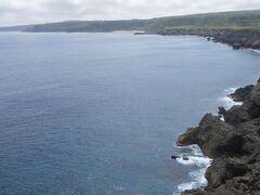 田皆岬です。奄美ではマリンスポーツを楽しむのでなければ、海岸や岬、奇岩の類を見て回ることになります。