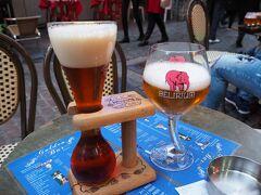ブリュッセルに戻ってきました。 一昨日・昨日と疲れを言い訳に予定が狂ってしまったので 今日は少し夜更かしします!  グランプラスのライトアップまでGolden Barで一杯。