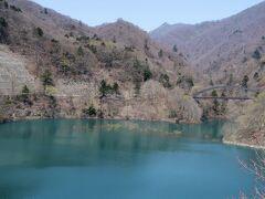 水位回復の奥四万湖