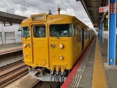 実際に乗っていたのは、 本郷-三原-糸崎-尾道 の4駅。  しかし、山陽本線は、糸崎駅で岡山支社と広島支社が分かれるため、運用が別となっている。多くの場合は糸崎で、この列車はたまたま三原まで乗り入れていた。 今や珍しい、国鉄の生き字引113系。真っ黄色は似合わないな~