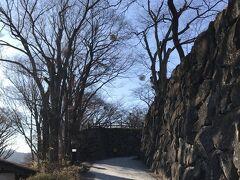 小諸懐古園 小諸城の坂道を登って 神社方面へ