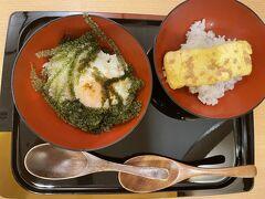 最終日の朝ご飯は和食「佐和」さんで。  海ぶどうと半熟卵ごはん 卵焼きごはん どちらも面前で作ってくれます。