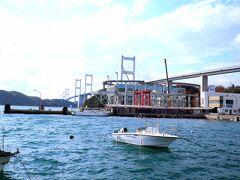 正面に見える橋は、「しまなみ海道」のなかでも一番大きな来島海峡大橋です。 来島大橋大島側から来島海峡第一大橋960m、真ん中が第二大橋1,515m、四国側が第三大橋1,570mとなっており、総延長は約4km。 世界初の3連吊橋としても有名なんです。  前回訪問時は今治からフェリー移動だったので、今回初めてレンタカーで橋を渡りました。 心惜しいですか、帰りの飛行機の時間もあるので、そろそろ松山まで戻ります。