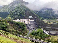 26<長島ダム> ダムといえば、すぐに水力発電を思い浮かべますが、この「長島ダム」は水力発電を行っていないダムです。