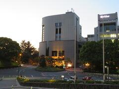 紀尾井ホールは目の前。