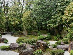 枯山水庭園は室町時代に造られ、「不変の美」を表します。
