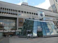 列車もあっという間に札幌駅に到着です。 駅ビル大きくて立派だし綺麗です。