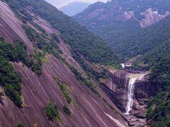 【屋久島 千尋の滝】 鹿児島  2013年8月  巨大な、花崗岩の一枚岩が有名ですね…