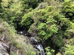 太閤石風呂と太閤の滝。
