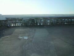 コーケーンのバスターミナルです。  暗くなってきましたので、はっきりしませんが、バスターミナルです。  市営のシティーターミナルになっているようです。