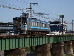 伊予市行きの電車