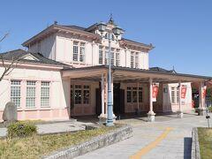 あっという間に日光駅到着です。 レトロな駅舎が見えると完走した感が強いです。