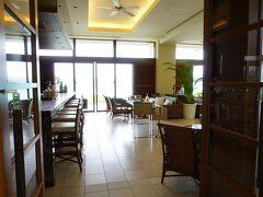 ザ・テラスクラブアットブセナ 13歳以上限定 客室数は68室  宿泊者全員がクラブラウンジを利用できます  クラブサービスは 7:00~19:00 14:00~16:00 ティータイム 17:00~19:00 アペリティフタイム