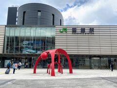 函館空港からは、シャトルバスで函館駅へ向かいます。  フライト時間に合わせてあるのでとってもアクセスが良いのです!