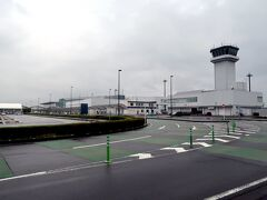 42<富士山静岡空港> 新金谷駅を後にして、今回の旅の最後に向かったのは「富士山静岡空港」。ターミナルの拡張後、どうなったか見に来ました。