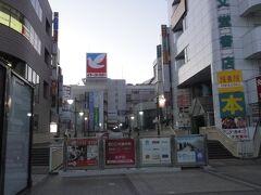 早朝の、松戸駅東口。
