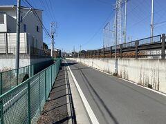 東川口駅で下車後、通常なら埼玉高速鉄道に乗り換えて、浦和美園駅を目指したいところですが、この日は徒歩で向かいます!