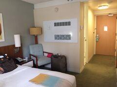 【2016年】ショアラインホテル  この年は当初ブレーカーズホテルを短期で予約していましたが、長期で滞在出来ることになったので、前にショアラインホテルを追加してみました。  古いですが広くて快適でした。