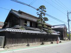 さらにバスで3分、「尾高惇忠生家」まで移動。 ここからは「論語の里」と云われるエリアで見学スポットが徒歩圏内に集中しています。 「鹿島神社」を経由して、