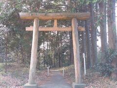 """次は銚子市にある""""猿田神社""""へやって来ました。 歩くパワースポットと呼ばれるSHOCK EYEさんも 年末にお詣りに訪れたのだそうです。 (そして御守りも購入したらしい byヤフーニュース)"""