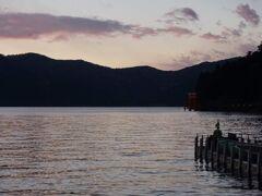 帰りは芦ノ湖経由しました。